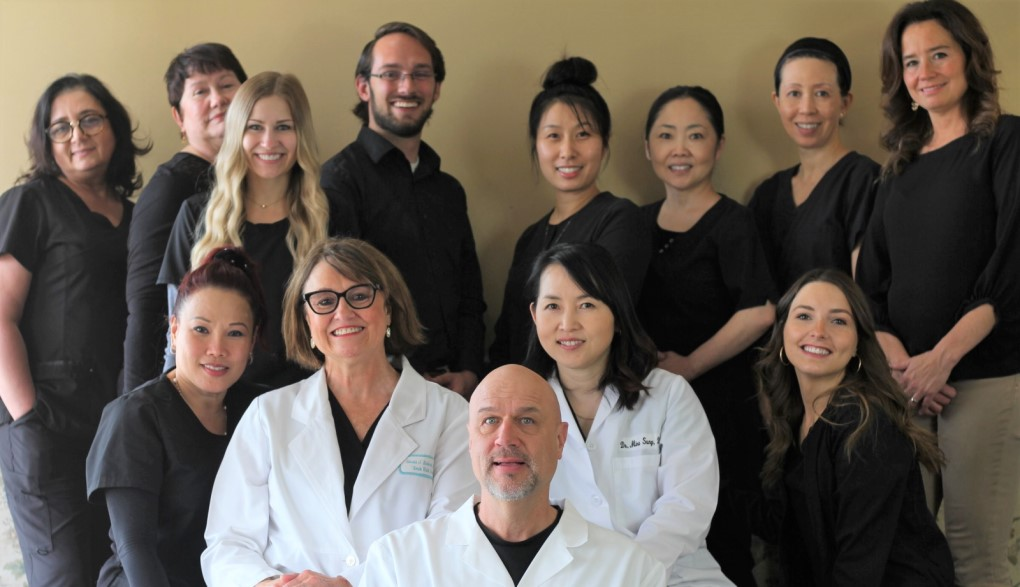 grace dental team photo 850w 1